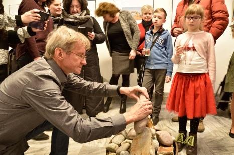 Ivo Dankovič_sestava kompozice z kamenů